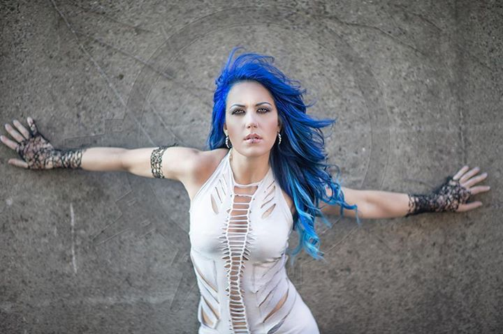 images_articles_Alissa White Gluz