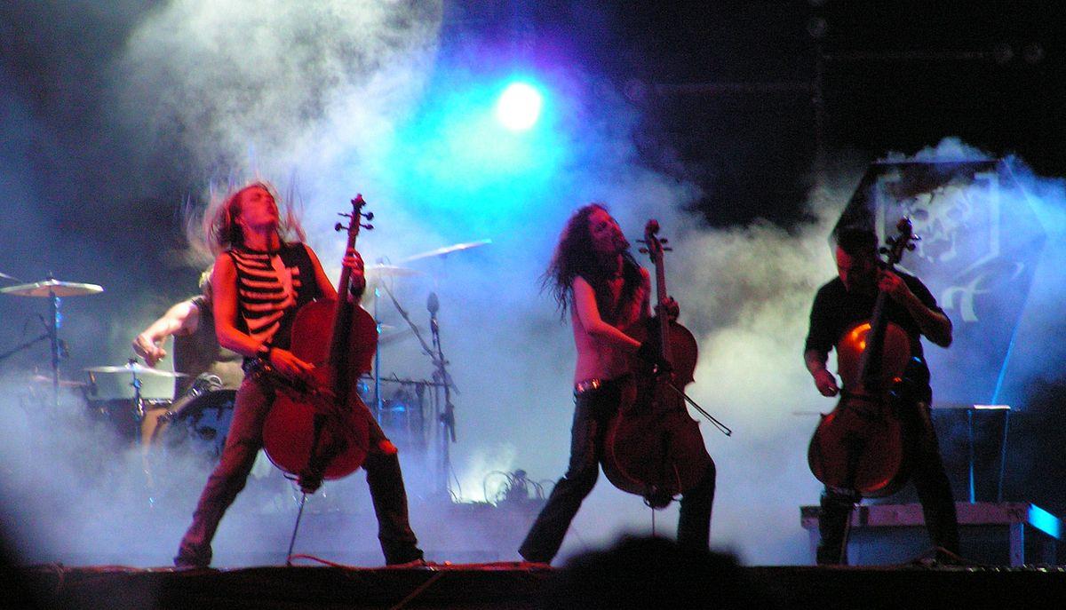 1200px-Apocalyptica_-_Festival_Wacken_Open_Air_2005